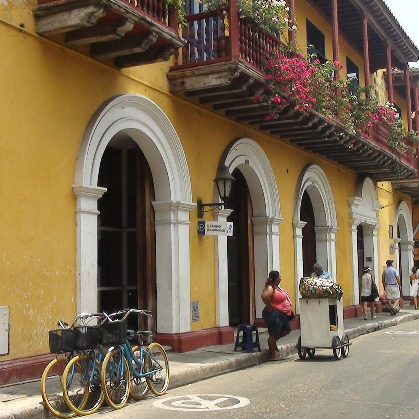 rue coloniale de Carthagène