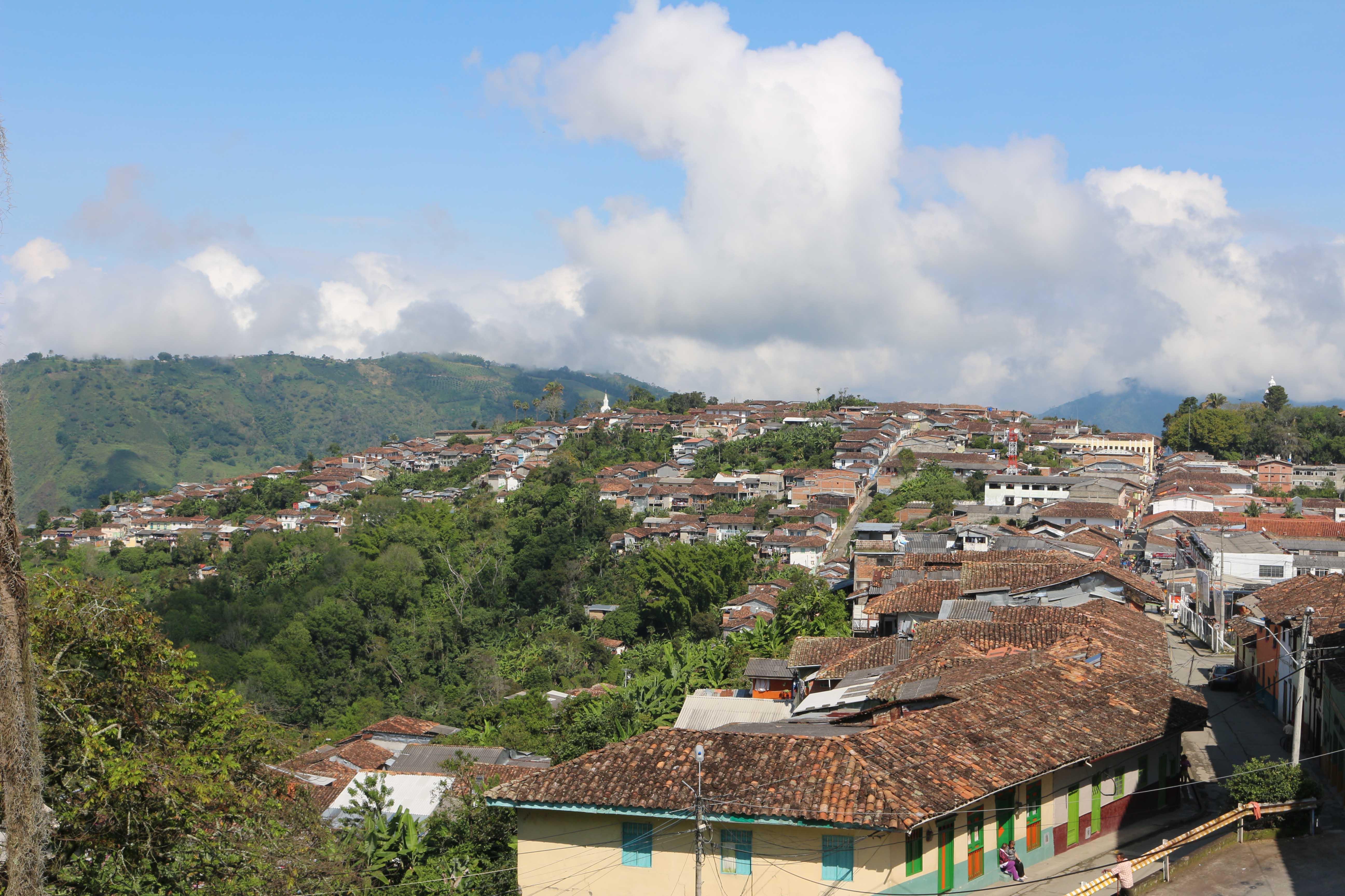 Salamina et son sublime village
