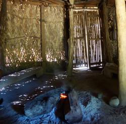 L'intérieur des maisons indigènes