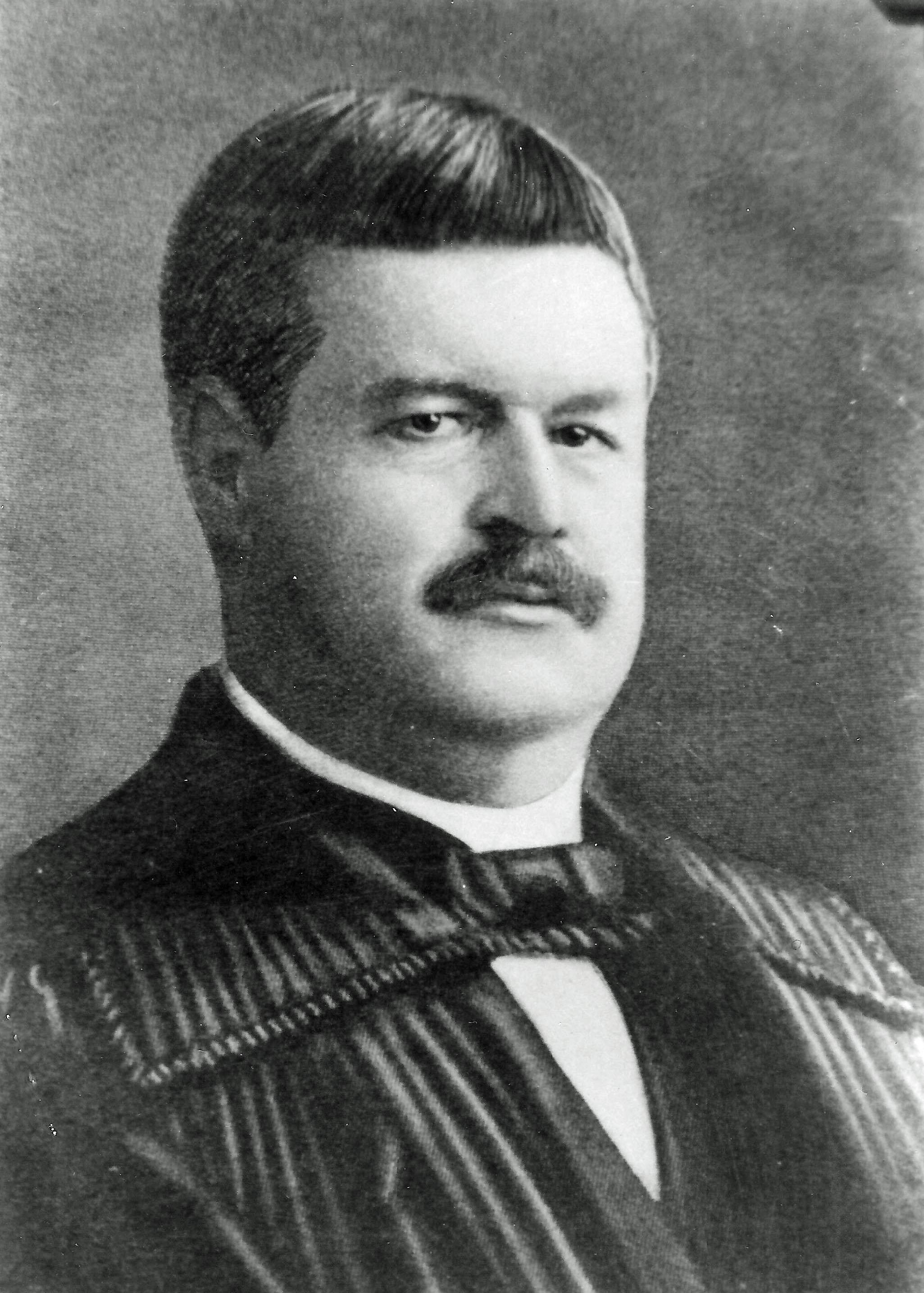 Hon Frederick Powers