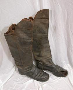 Captain Black Hawk Putnam boots