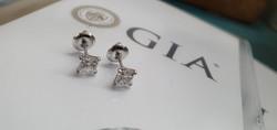 עיצוב תכשיטים - עגילי יהלומים
