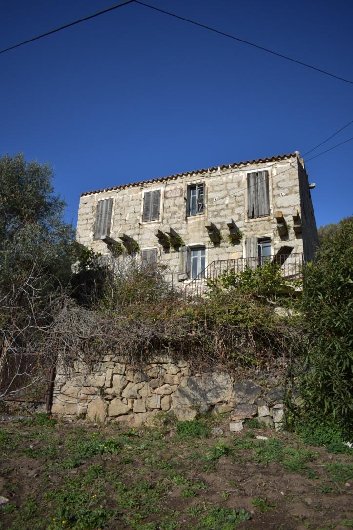 Maison en blocs de granit à Poggio d'Olmo