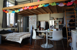 LP7-0203 - bed, eetplaats en hoogteslape