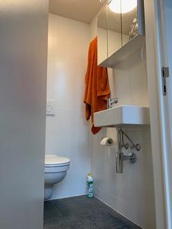DB12-0101 - toilet, wastafel