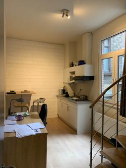 LP2-0101 - bureau, kitchenette, eethoek.