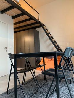 DB12-0101 - eetplaats, trap