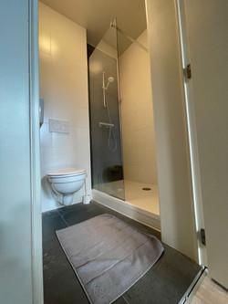 DB12-0202 - inloopdouche, toilet