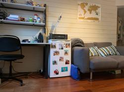 LP7-0301 - bureau, frigo, zetel