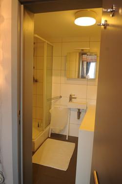 DB5-0403 - ruime badkamer