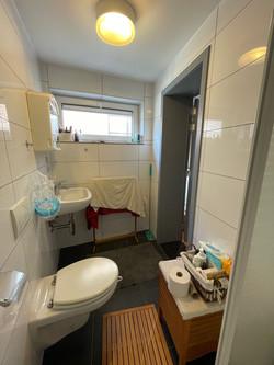 DB3-0201 - badkamer vanuit douche