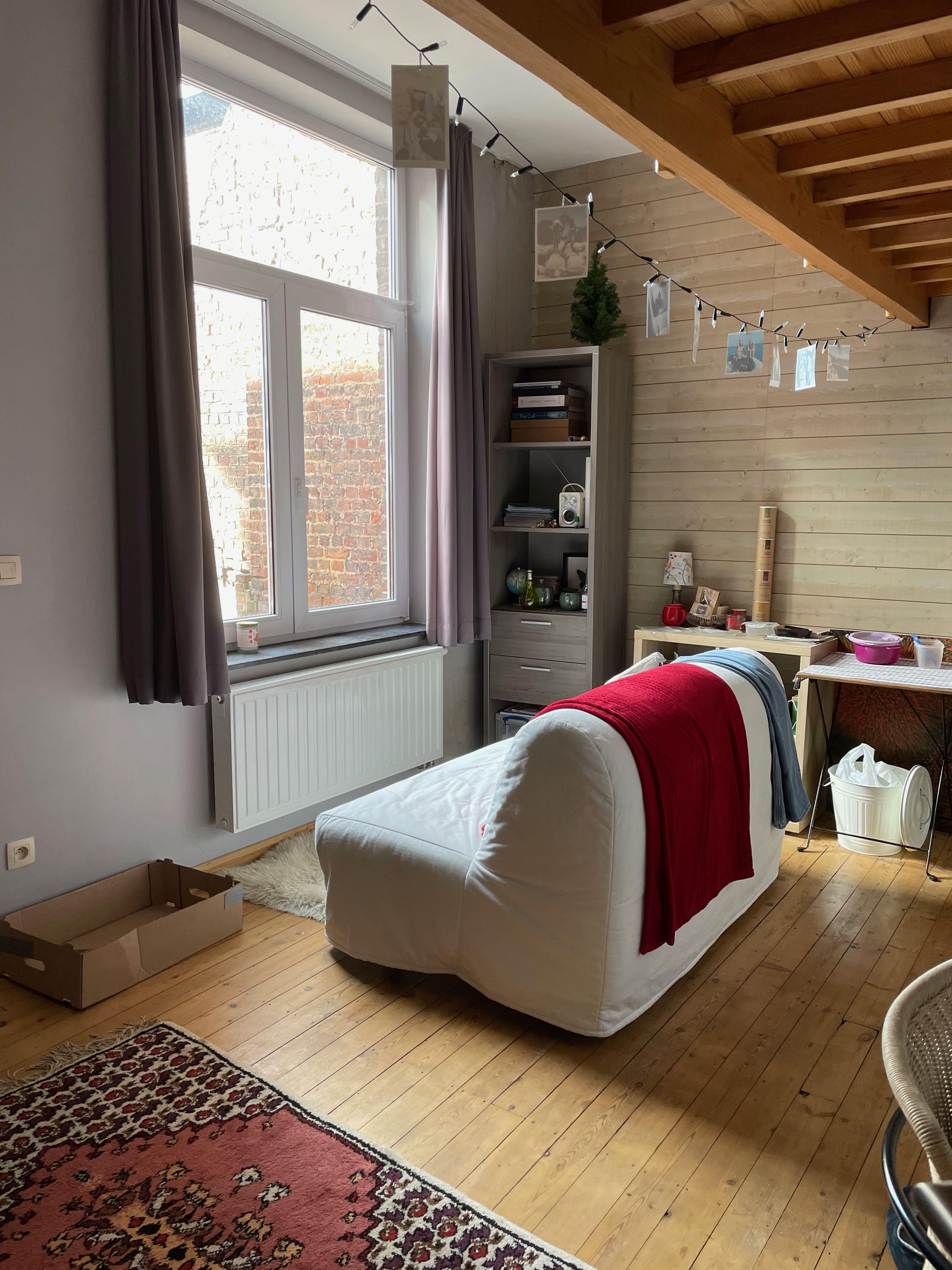 DB3-0201 - zetel voor raam