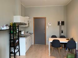 LP2-0103 - kitchenette, eethoek