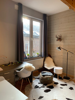 DB5-0201 - bureau, raam
