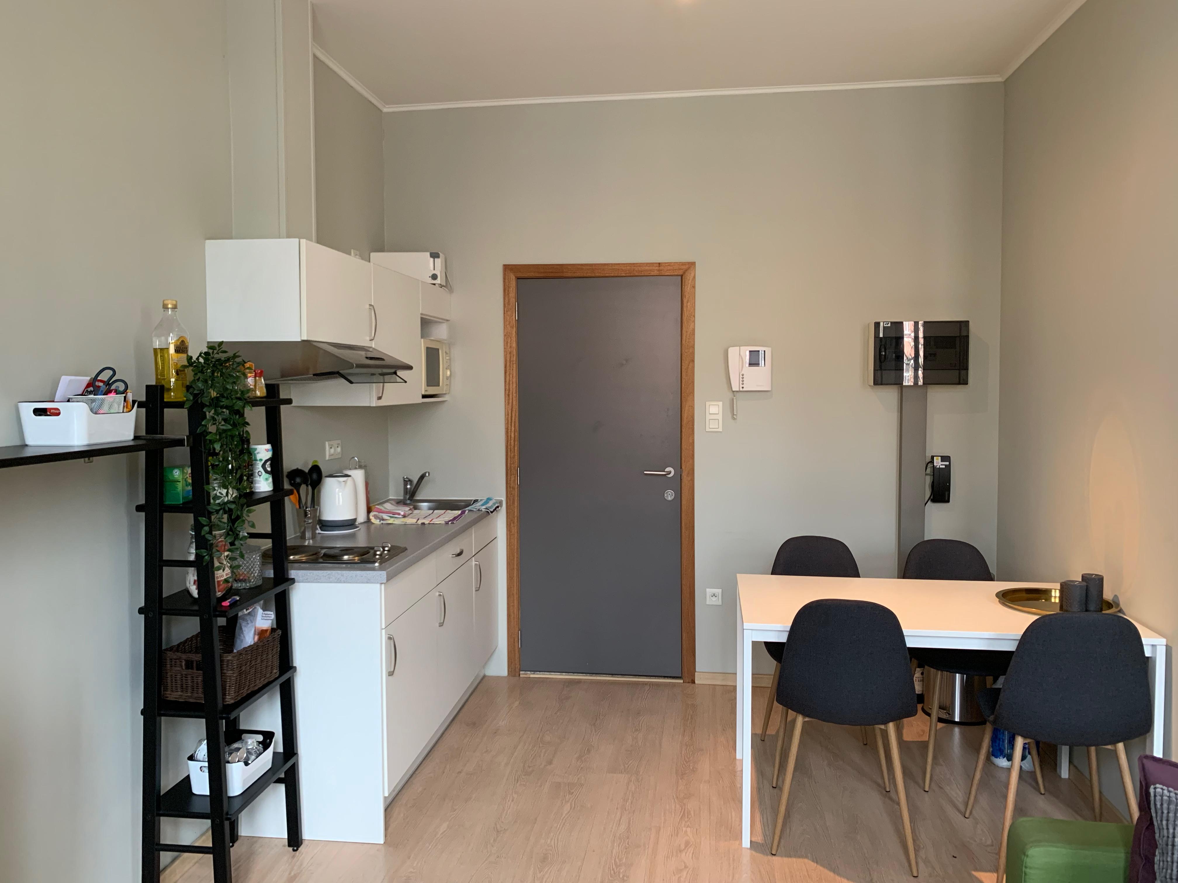 Leuven, Mathieu de Layensplein 2 - studio 0103
