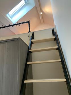 DB12-0301 - trap naar mezzanine