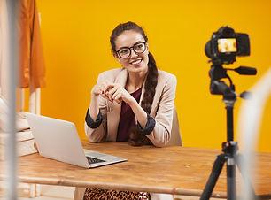 beauty-vlogger-talking-to-camera-CRL6QJ7