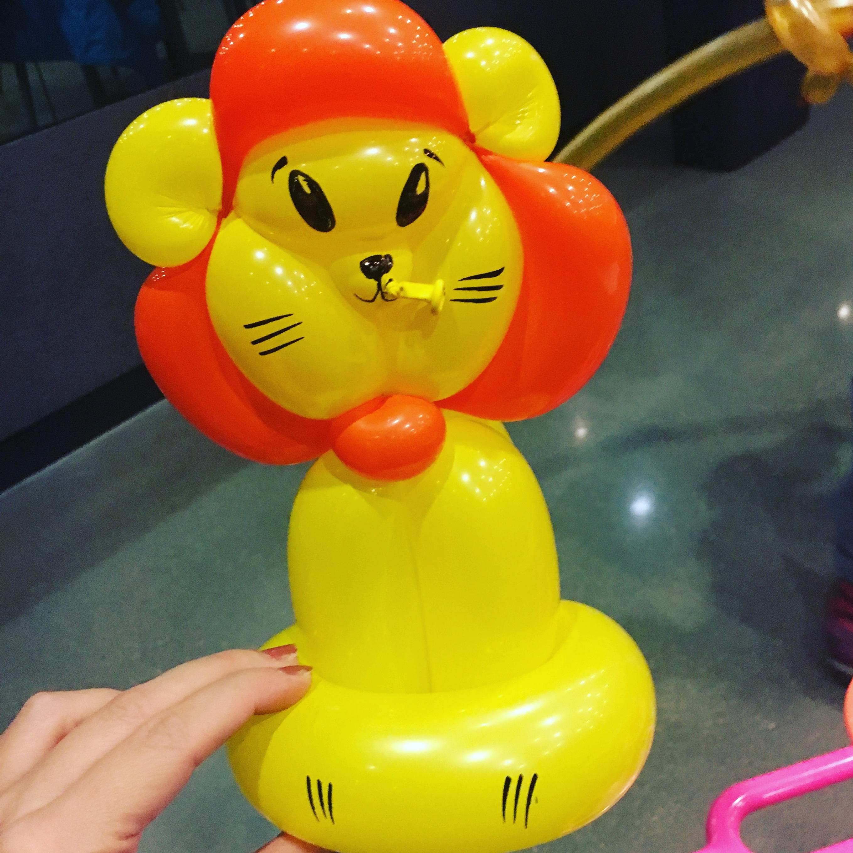 Cincinnati Balloon Twisting lion