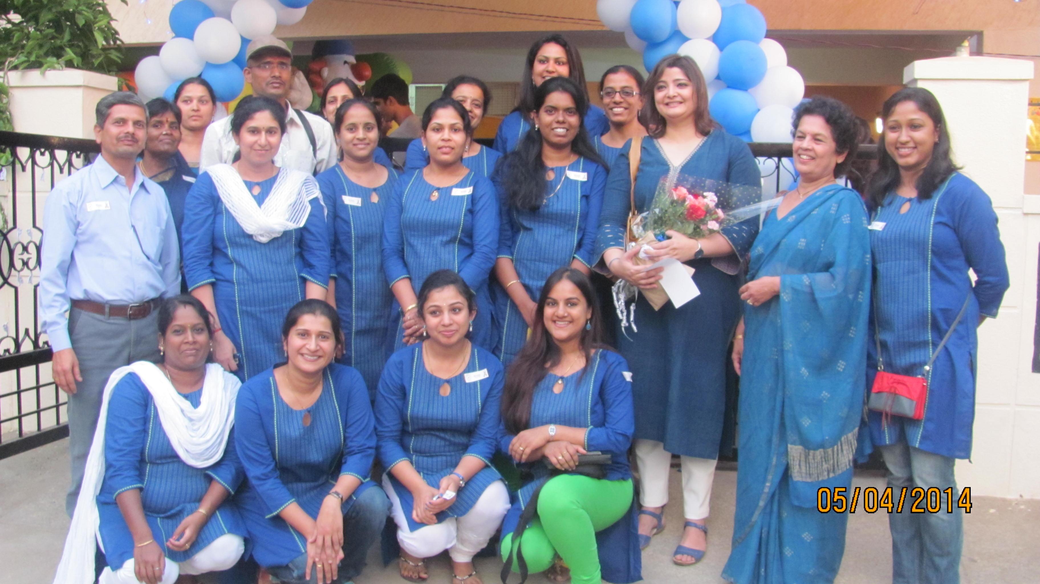 Com DEALL team in Blue