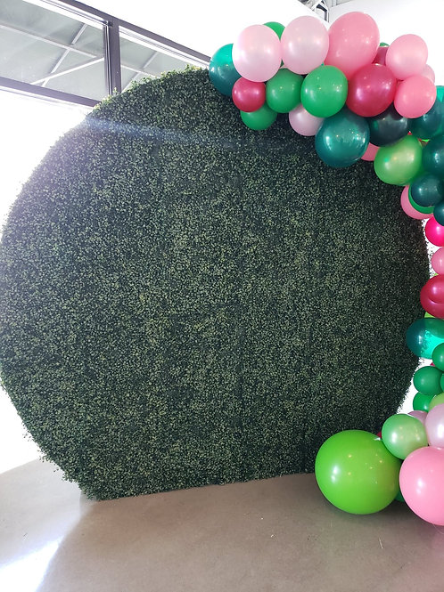 "Round Grass ""Boxwood"" Wall"