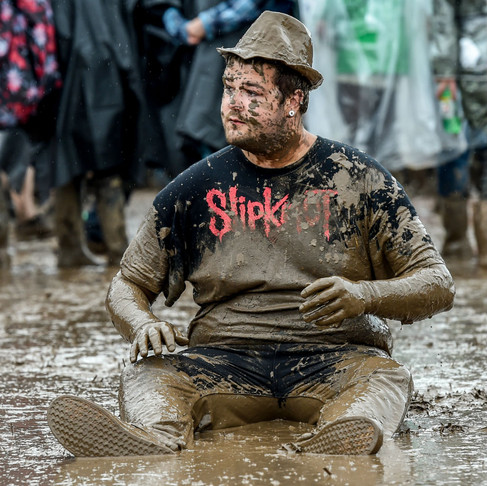 "20 Pictures That Capture ""DROWNLOAD"" At Its Worst — Download Festival Highlights"