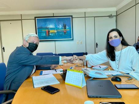 Cônsul da Argentina se reúne com a presidente da CDC