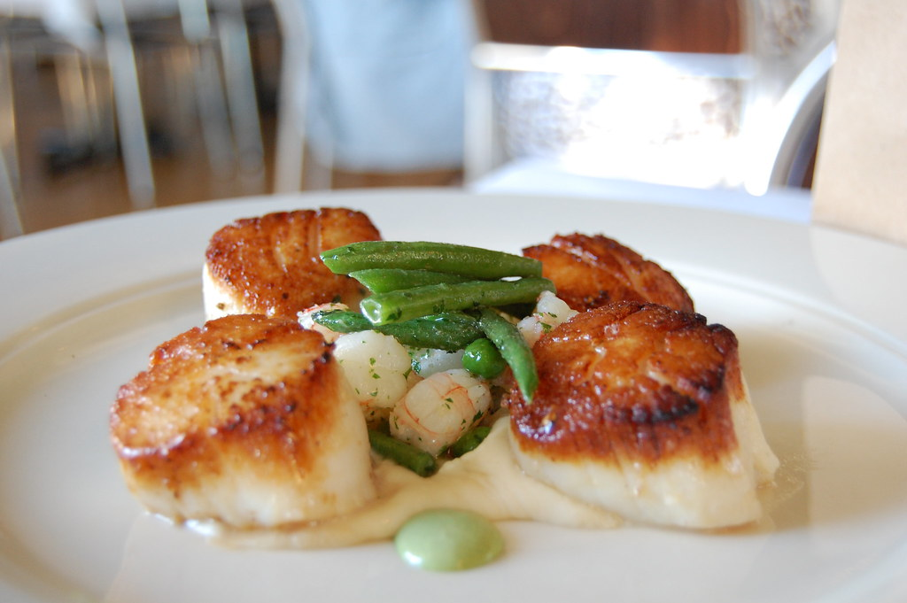 Caramalised Scottish Scallops with zesty