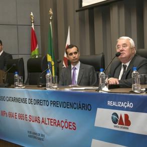 Ayres Monteiro presente no II Simpósio Catarinense de Direito Previdenciário