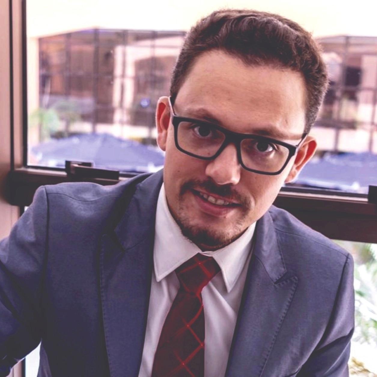 Dr. Everson Salem