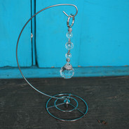 Round Crystal Strand with Steel Stand
