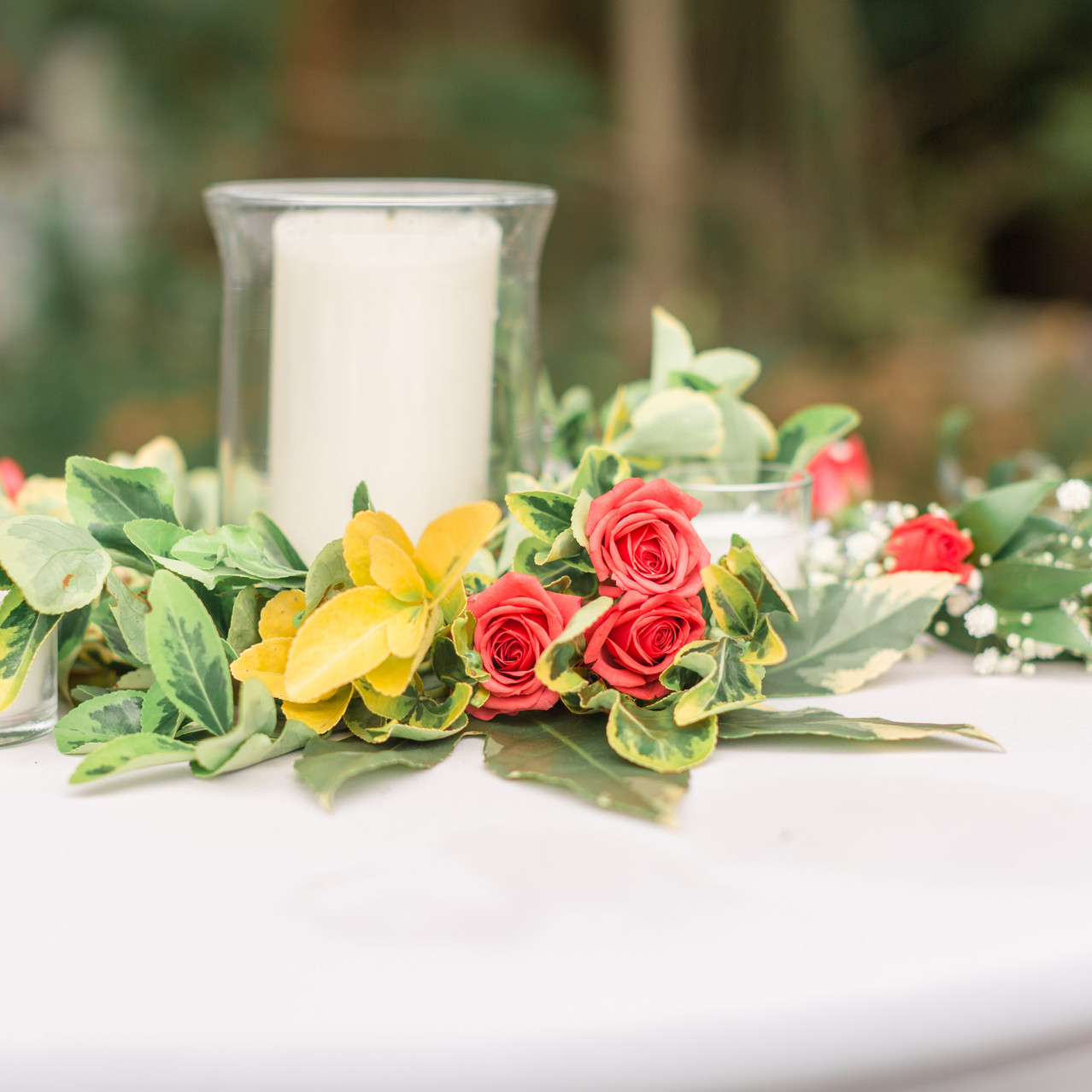 bartop floral arrangement