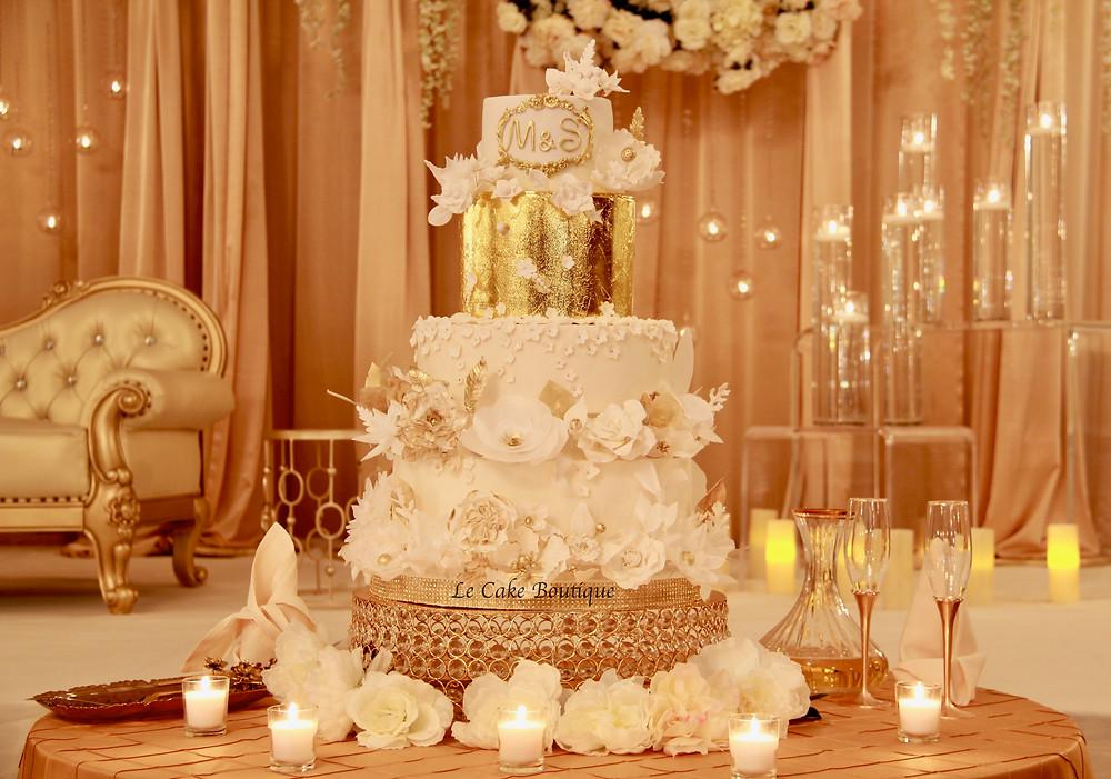 white cake flowers