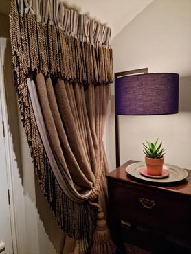 Self pelmeted curtain