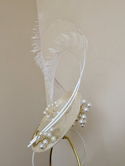 Elegant Ivory Fascinator