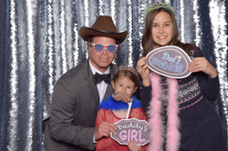 Daddy daughter dance photo booth