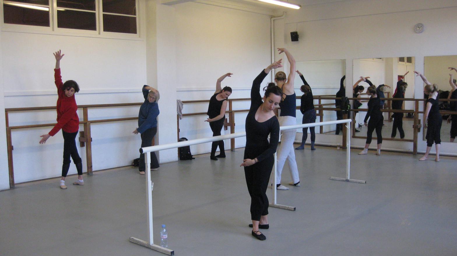 Ballet Int/Adv - Arts Ed