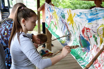Obraz malowany w lesie