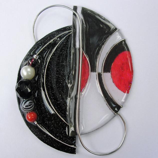 stephen-dalton-3-black-white-red-pin.jpg