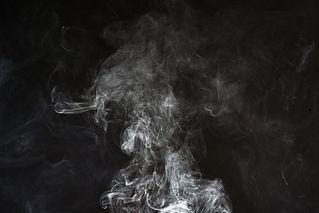 smoke-2437886_1920.jpg