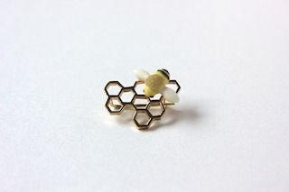 ハチの巣2(320).jpg