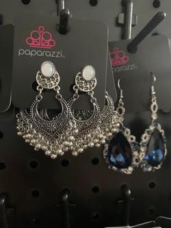 Paparazzi Adorn Treasure. Aerial Roberson Jewelry