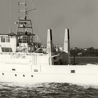 Steaming-up-Auckland-Harbou.jpg