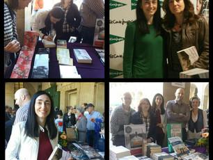 Firmando en la Feria del Libro de Vitoria-Gasteiz, abril 2017