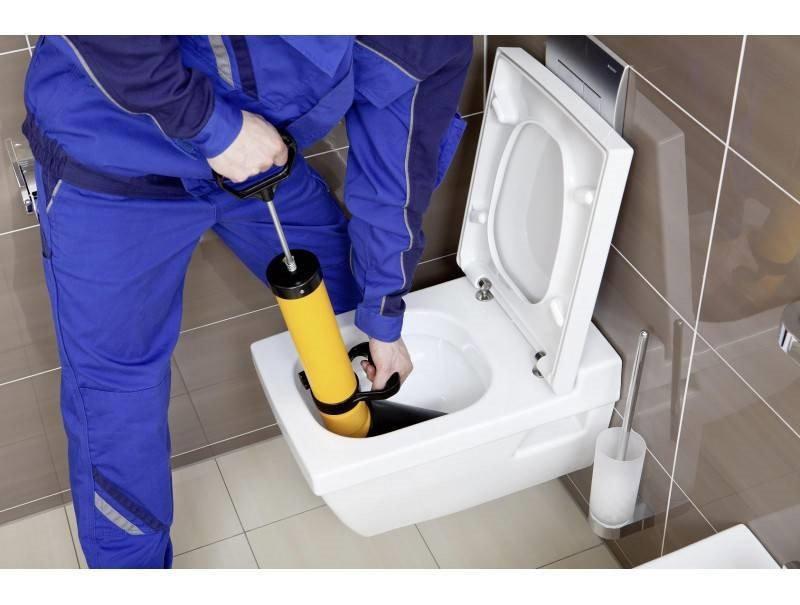 Débouchage de canalisation de WC