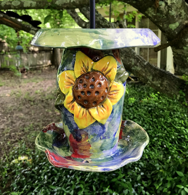 Pointed Sunflower Bird Feeder