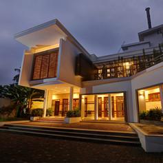 Sri Renijth and Binda Residence, Okkal
