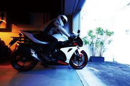 GSX-R1000A_RL9_Action_52.jpg