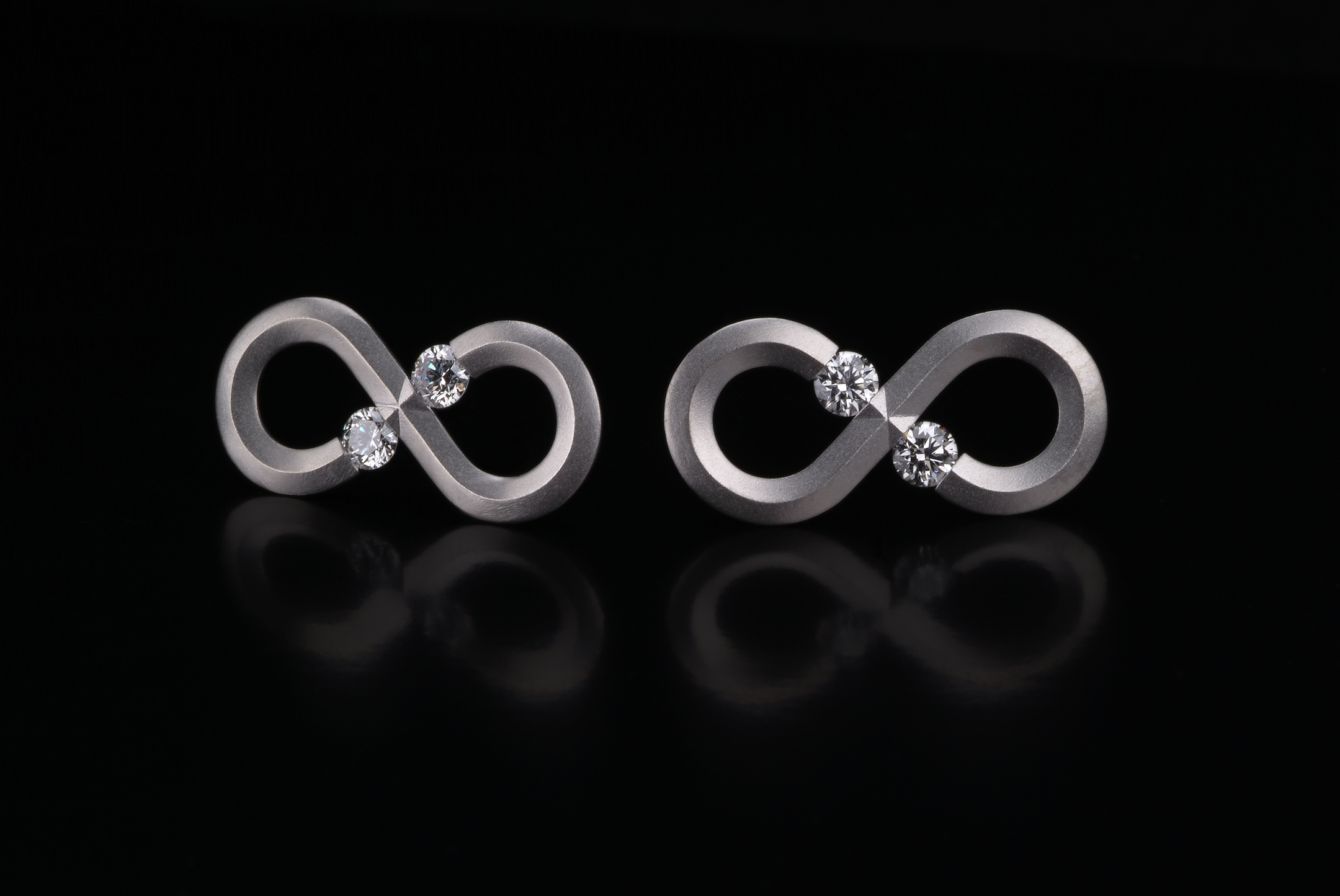 Steven Kretchmer Infinity Earrings