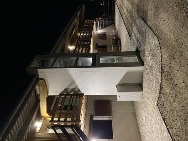ascenseur salle de réception de nuit