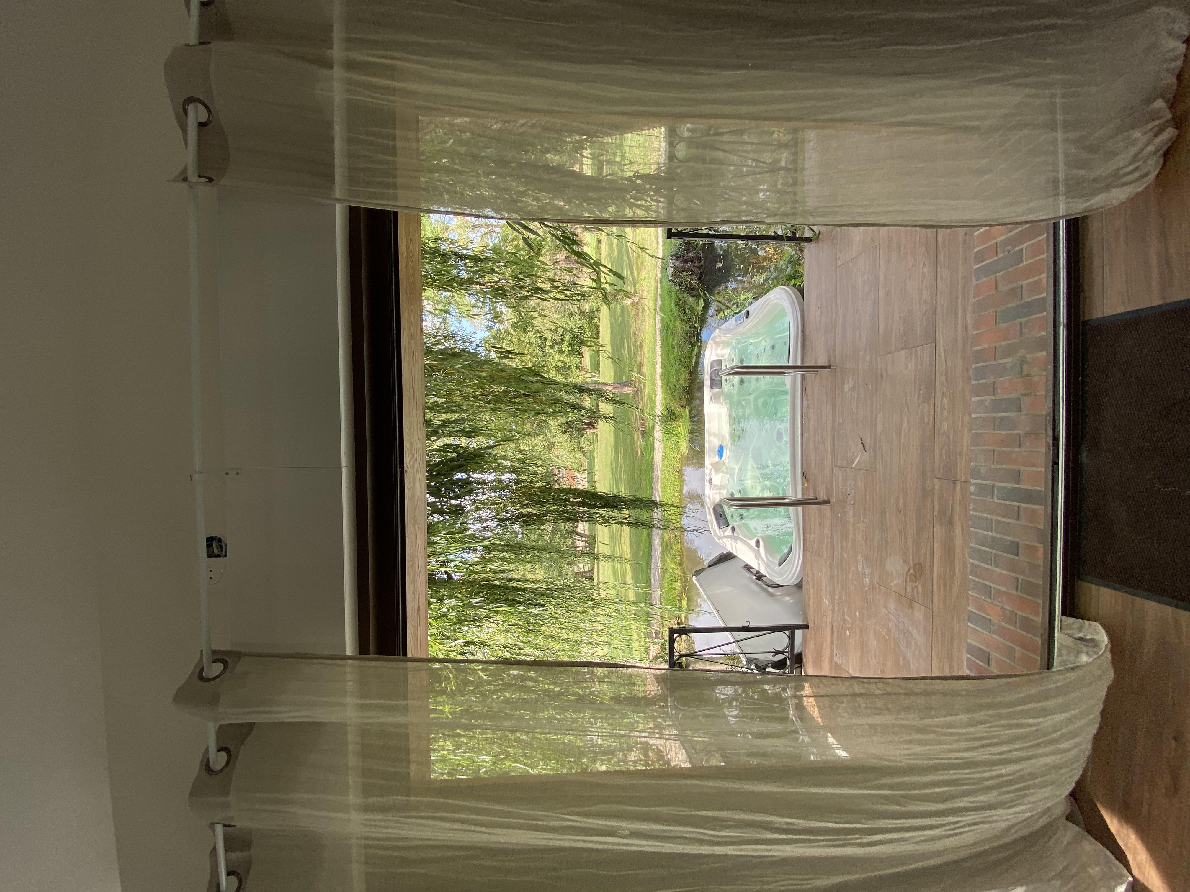 Vue baie vitrée SPA